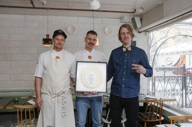 Vuoden ravintola 2018 -tunnustuksen saaneen Kaskiksen ravintoloitsijat Simo Raisio, Erik Mansikka ja Topi Pekkanen ovat luoneet laaturavintolan, joka on vakiinnuttanut paikkansa sekä Turun, että Suomen parhaiden ravintoloiden joukossa.