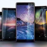 """Nokia toi """"banaanin"""" takaisin – älypuhelimetkin menevät kaupaksi, mutta peruspuhelimissa Nokia dominoi"""