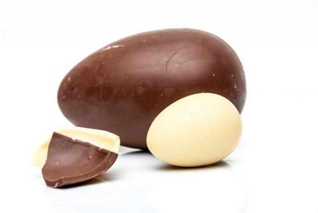 Herkkusuille on saatavilla vastuullisia suklaamunia.