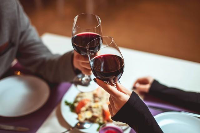 Maitokauppavahvuisen Sangre de Toron alkoholipitoisuutta on vähennetty tyhjiössä höyryttämällä.