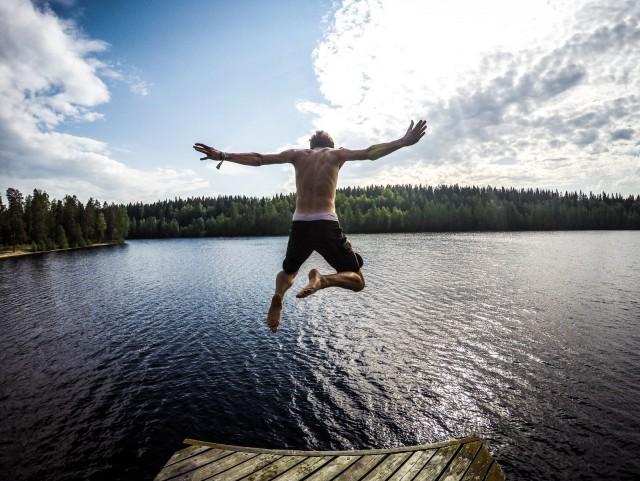 Suomen kesä on hienoa aikaa. Puhtaat vedet ja luonnon rauhaa. Kuva: Tommaso Fornoni.