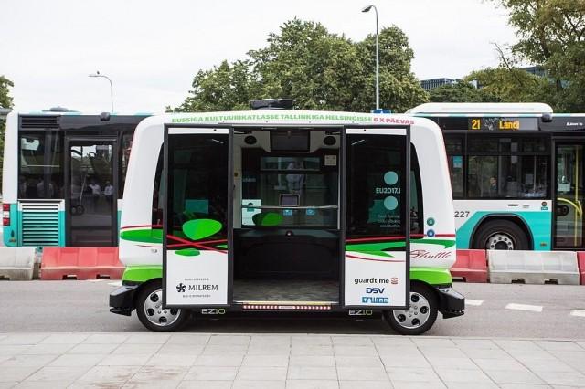 Itseohjautuvat linja-autot ovat vielä olleet varsin pienikokoisia. Kiinassa testissä on ollut myös 19 hengen itseohjautuvia linja-autoja.