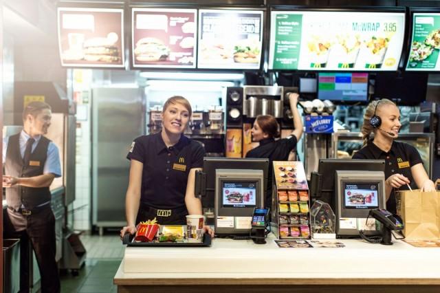 McDonald'sista voi pian tilata ruokaa kotiin kuljetettuna.