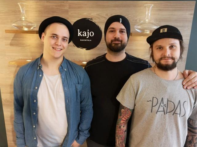 Ravintola Kajo on Marko Simunaniemen (vas.), Panagiotis Lykoudiksen ja Vellu Lampisen ensimmäinen oma ravintola.