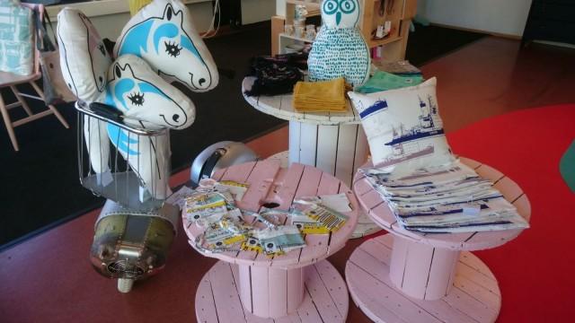 Uusix pop up -kaupassa on tarjolla kierrätysdesignia kodintavarasta lastenvaatteisiin.
