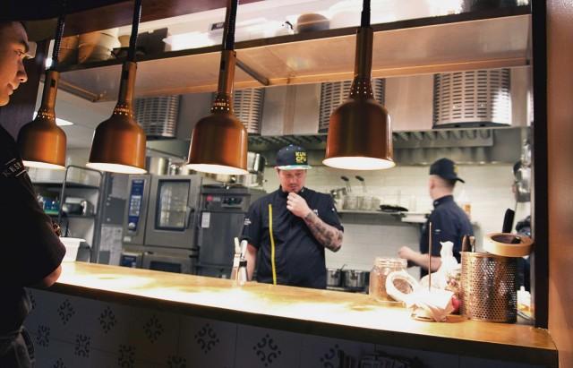 Kungfu Kitchenissä maistellaan SYÖ-viikoilla aasialaisia buneja ja korealaisia wingsejä.