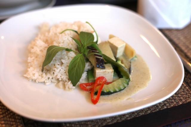 Vihreä curry lämmittää mieltä ja masua.