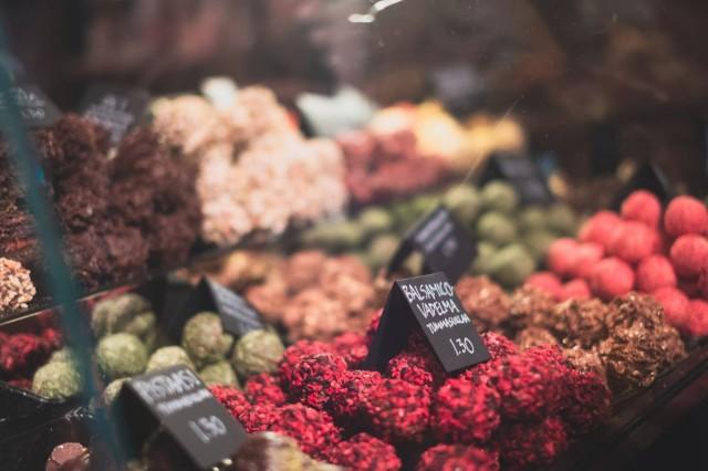 Karnevaaleilla valittiin vuoden 2018 suklaat neljässä eri kategoriassa: maitosuklaa, tummasuklaa, vegaanisuklaa ja konvehti/täytesuklaa.