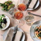 Kitchen & bar by Maannoksen kasvispainotteisessa menussa liha toimii lisukkeena