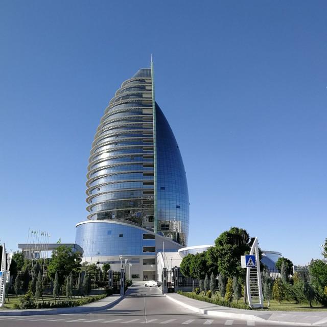 Hieno hotelli Ashgabatissa.