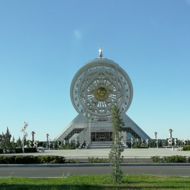Maailmanpyörä Ashgabatissa, Turkmenistanissa.