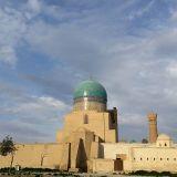 Bukharassa on UNESCOn maailmanperintökohteeksi luokiteltuja historiallisia rakennuksia kuten tämä Bukharan linnoitus, the Ark