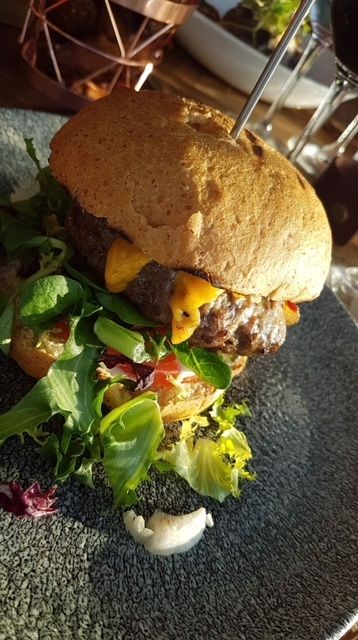 Herkullinen Periscope Burger.