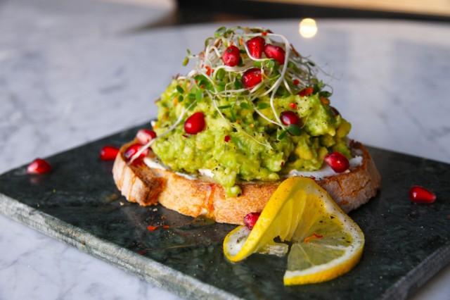 Green Hippo Cafén avokadoleipä on ilo silmälle.