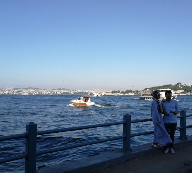 Bosborinsalmella on paljon veneliikennettä välimeren ja mustanmeren välillä.
