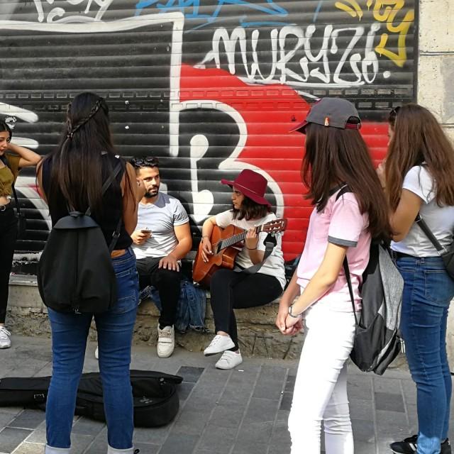 Katumuusikoita Istanbulissa.