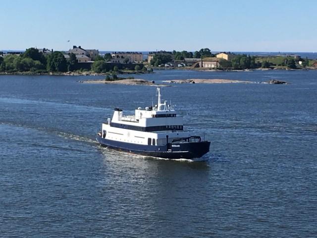 Isosaarelle kulkeva M/s Isosaari toimii myös laivahotellina.