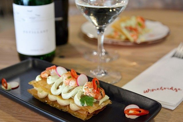 Winebridgen ruokalistat laaditaan viinien ehdoilla.