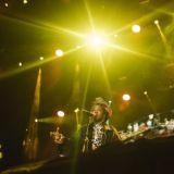 Lauryn Hill tuli myöhässä päästäkseen kiirehtimään – uudet suomalaistähdet veivät valokeilan kansainvälisiltä veteraaneilta Flow'n avausillassa