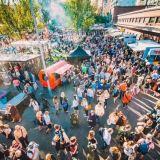 Kukkaseppeleitä ja bondagea – Teurastamon Night Marketista on moneksi