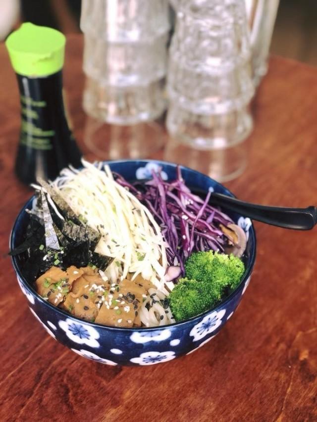Vöner sopii yllättäen myös japanilaiseen ruokaan.