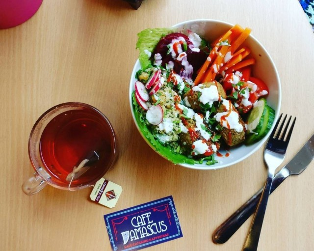Falafelkulho Cafe Damascuksen tapaan.