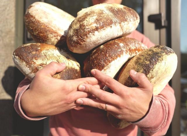 The Wayssa leivotaan päivittäin tuoretta hapanjuurileipää.
