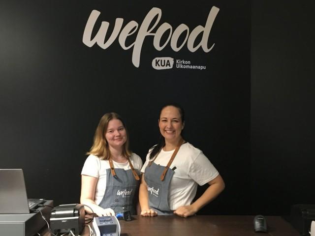 Kirkon Ulkomaanavun koordinoima WeFood-myymälä pyörii vapaaehtoisvoimin.