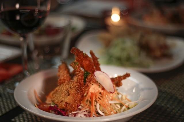 Hokun havaijilaisessa keittiössä maistuvat monipuoliset aasialaiset vaikutteet.