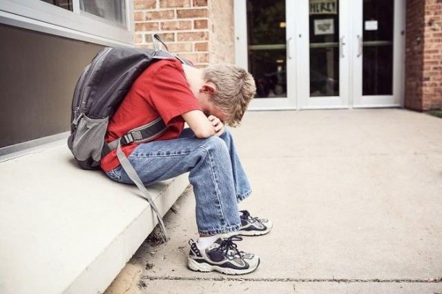 Avoin tunteista puhuminen aiheuttaa yhä ongelmia nuorten poikien keskuudessa.