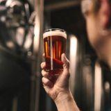 Suomalainen olut tutuksi, vaikka desi kerrallaan – tsekkaa, mitkä suomalaiset olutuutuudet esittäytyvät helsinkiläisissä oluthuoneissa