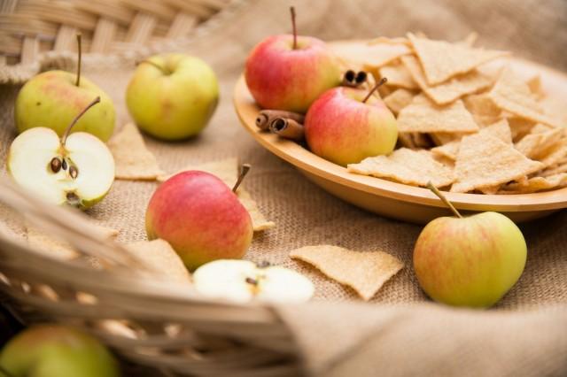 Oatis kaurasnacksien makeansuolaiset maut kaneli-omena ja mustikkapiirakka maistuvat etenkin aasialaisille.