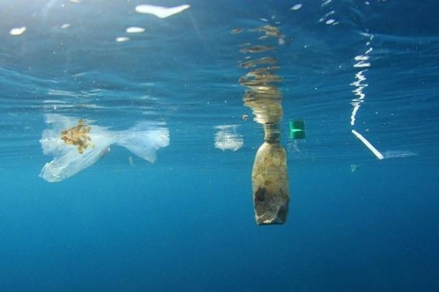 Muoviroskan hajoaminen kestää satoja, jollei tuhansia vuosia.