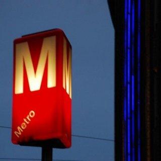 Viihdy rauhassa pikkujouluissa yli keskiyön – Metro kulkee jopa kaksi tuntia pidempään