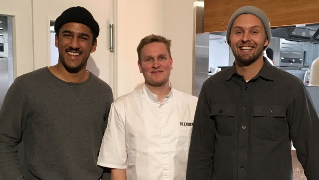 """Beerger on viiden ravintola-alan osaajan yhteinen projekti. Kuvassa Aleksanteri """"Santtu"""" Ronkainen (vas.), Markus Savolainen ja Jussi Korkeela."""