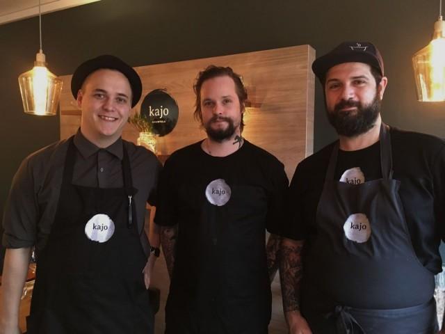 Marko Simunaniemi (vas.), Vellu Lampinen ja Panos Lykoudis haluavat tarjota vierailleen ihania elämyksiä.