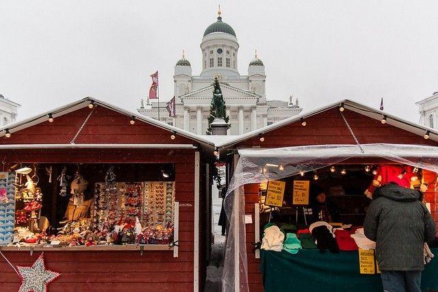 Perinteiset Tuomaan Markkinat käynnistyvät joulukuussa Senaatintorilla.