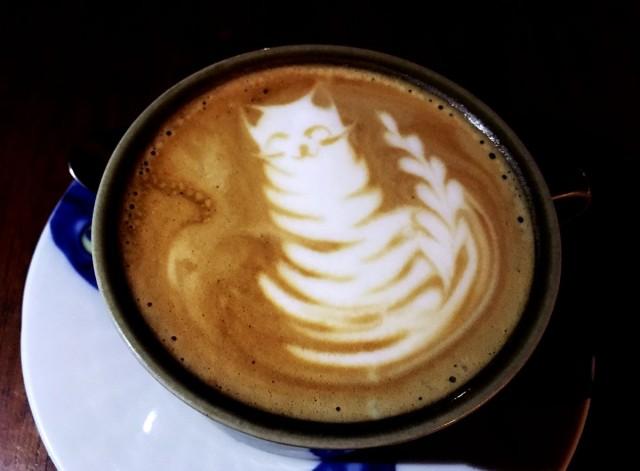 Helkatin cappuccinotkin ovat kisukuvioituja.