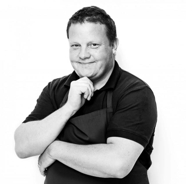 Palkittu keittiömestari Michael Björklund tunnetaan muun muassa Strömsö-kokkina.