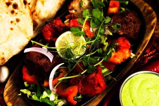 Delhi Darbar luottaa intialaisen keittiön väreihin ja aitoihin mausteisiin.