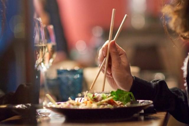 Kung Fu Kitchenin maistelumenu sisältää monenlaisia aasialaisia herkkuja.