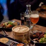 Lux Helsinki Eat: Upea kattaus ravintoloita ja houkuttelevia tarjouksia valotaidefestivaalin yhteydessä