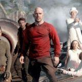Odotus on pian ohi –  Iron Sky The Coming Racen traileri tarjoilee dinosauruksia ja pähkähullua menoa
