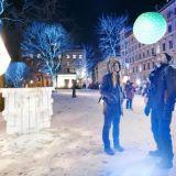 Päräyttäviä valotaideteoksia ja upeita menukokonaisuuksia – Lux Helsinki valaisee Etu-Töölön alueen