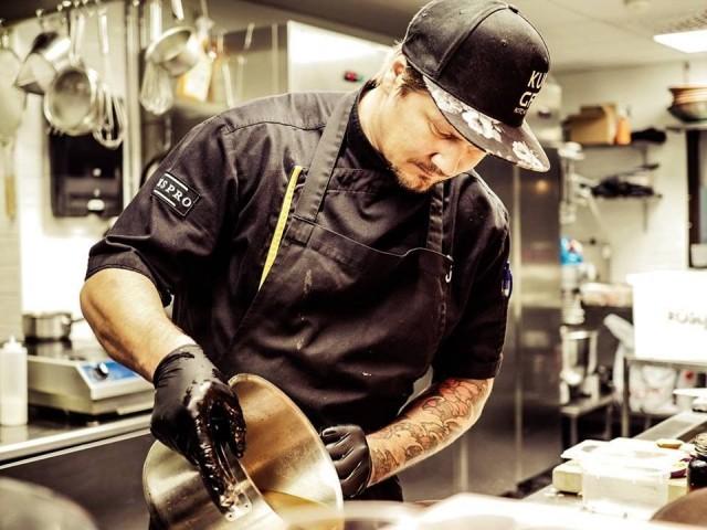 Miro Kurvinen voitti Suomen Masterchefin vuonna 2014 ja avasi Kungfu Kitchen -ravintolansa vuonna 2017.