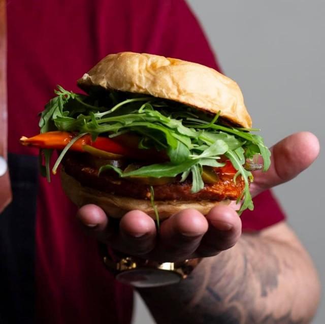 Bun2Bun muutti joulukuussa kaikki burgerinsa vegaanisiksi.