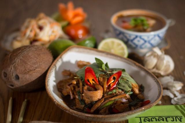 Tikkurilan ja Jumbon Tamarinissa SYÖ!-tarjouksessa ovat kaikki kana- ja tofuannokset.