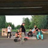 Katujen asiantuntijat vievät kävelykierrokselle – asunnottomuutta kokeneet pääsevät ääneen kaupunkioppaina