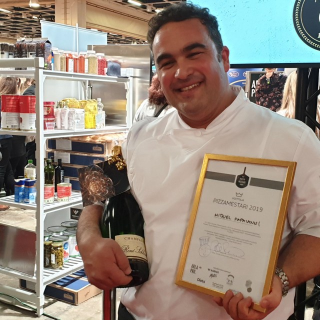 Voittajan on helppo hymyillä. Miguel Papaianni on Pizzamestari 2019.