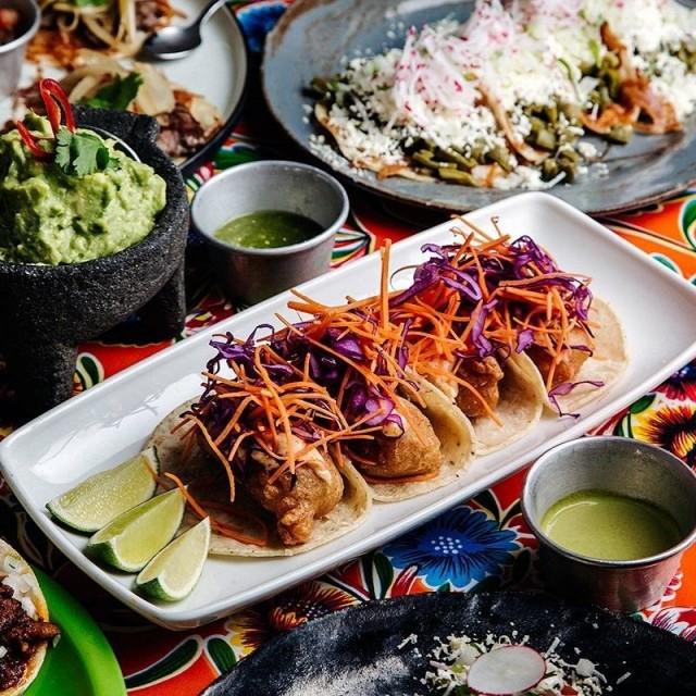 Taquería el Reyn annoksissa on vaikutteita niin urbaanin meksikon katukeittiöistä, Karibialta kuin sisämaastakin.